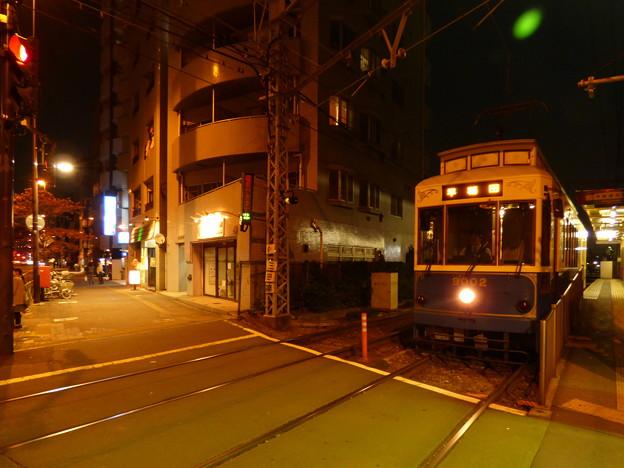 Photos: 左は歩道、右は軌道…