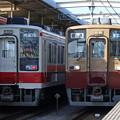 Photos: 52列車と909列車