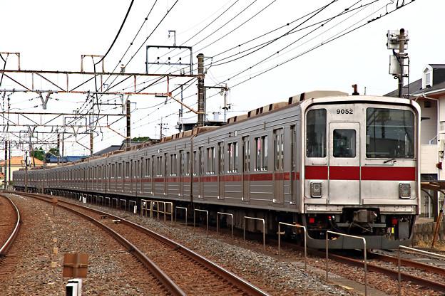 9052号車ほか10連