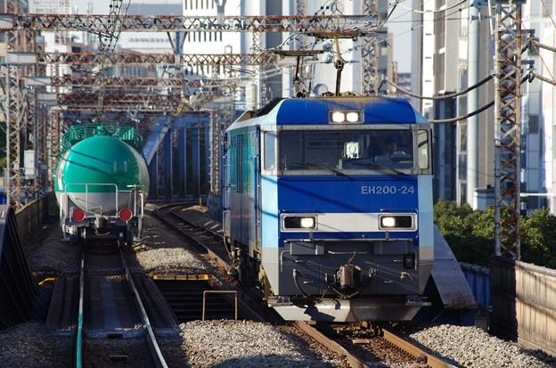 Photos: EF64+タキ1000系&EH200