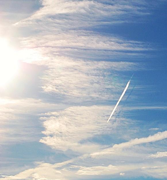 飛行機雲シルェット