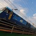 西行き貨物列車