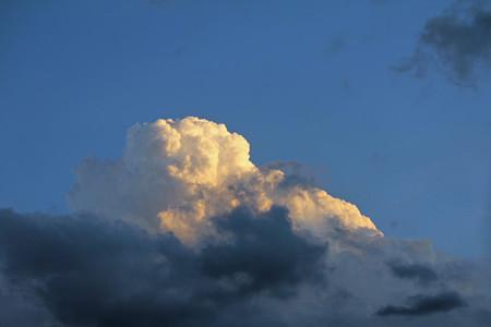 秋の入道雲