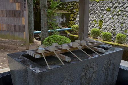 金蛇水神社・手水舎