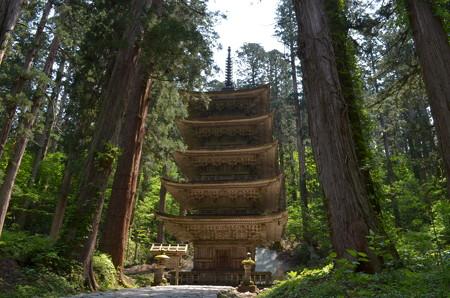 出羽神社・五重塔