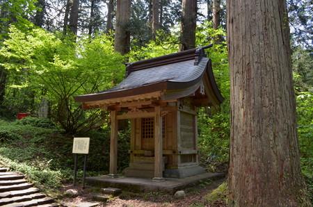 出羽神社・子守神社