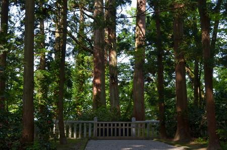 出羽神社・蜂子皇子墓