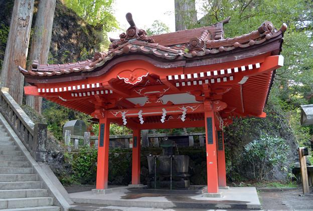 写真: 榛名神社・御水屋