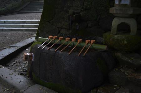 石上神宮・手水所