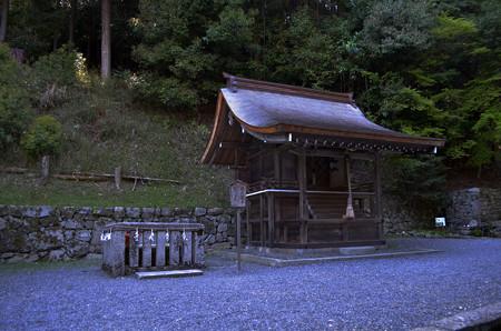 亀井霊水・新物忌神社