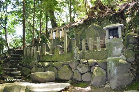 生駒山岩谷の滝2013年04月29日_DSC_0371