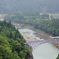 雨の只見川第一橋梁