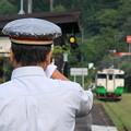 遠ざかる列車