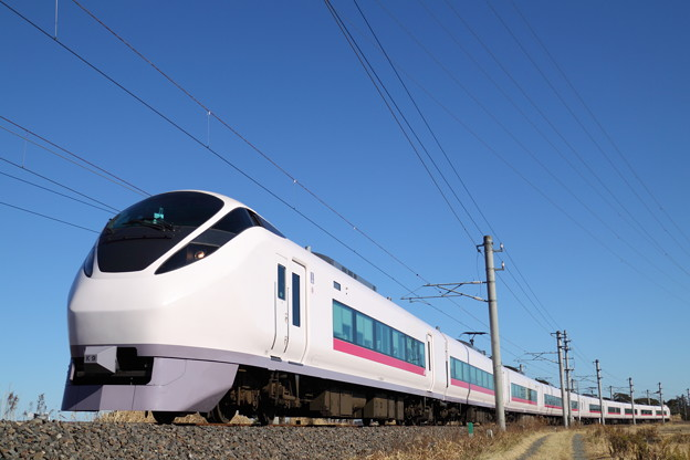 Photos: 常磐線 E657系