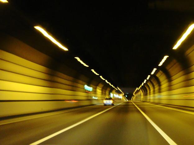 首都高湾岸線 空港北トンネル (東京都大田区羽田)