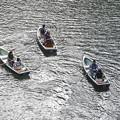 高千穂峡の小舟にて