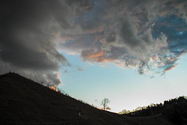 2012年最後の夕陽を浴びる雲