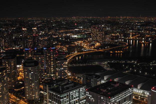 Photos: a night view