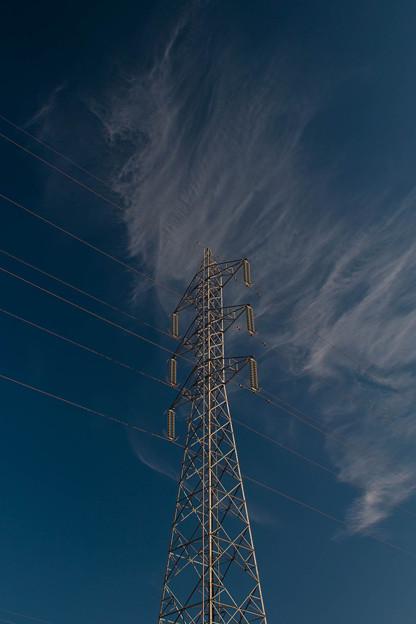 Photos: 爽やかな空が鉄塔まで爽やかに見せている