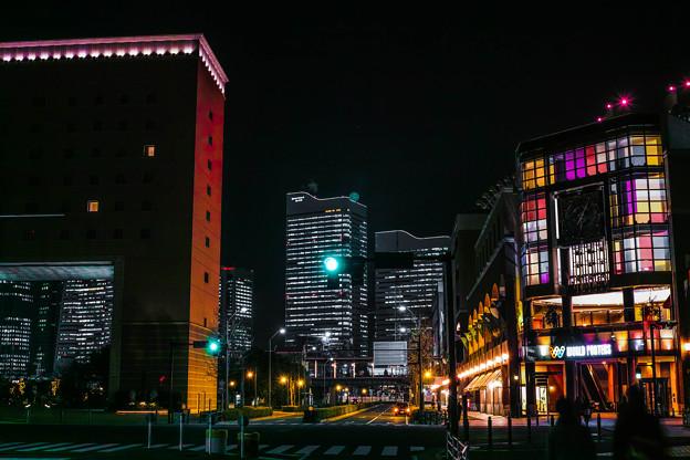 夜に映える色彩