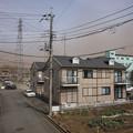 写真: 凄い強風で、しかも煙霧?