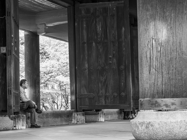 山門にて待つ