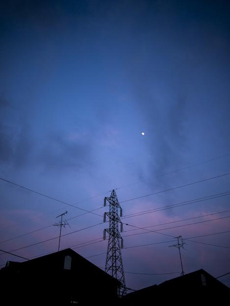 Photos: 月と鉄塔@2013/05/21
