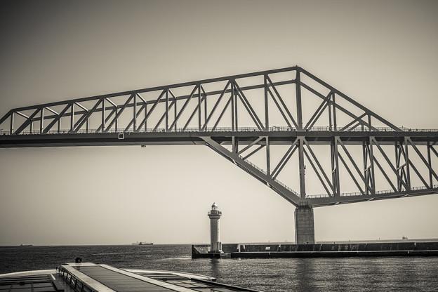 恐竜橋を海上から見る5