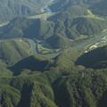 山間のくねくね川@岡山空港から羽田までの機上にて