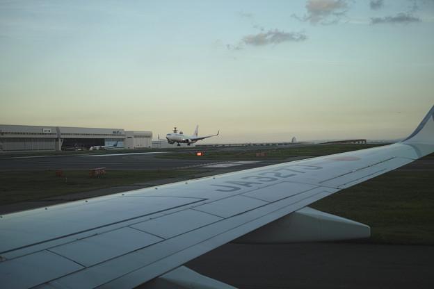一旦停止で他機の着陸を待つ
