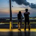 Photos: 恋人たちを照らす三日月と金星