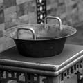 Photos: 孤独な鍋、だと思ったら楽器だった!