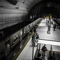 天井が高くなっているこの駅のデザインは好きです。