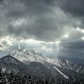 焼岳の噴煙と天使の梯子