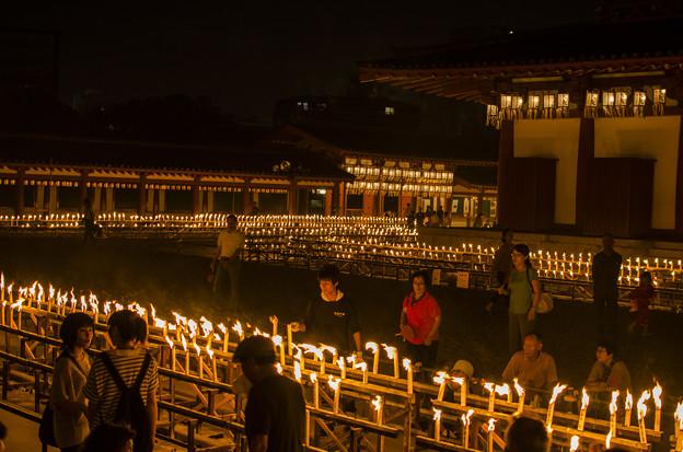 Photos: 大阪四天王寺の盂蘭盆会(うらぼんえ)