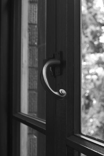 窓の開け閉めでさえ優雅な気分になる