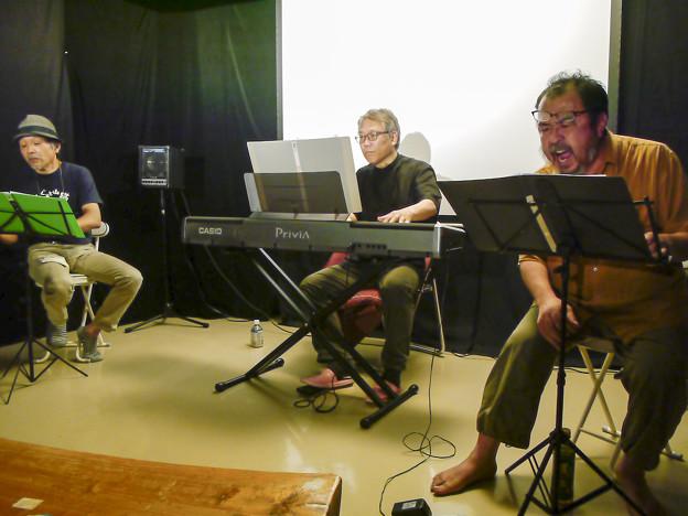 """Photos: 白石准作曲、太宰治原作の""""走れメロス""""の初演が終わりました"""
