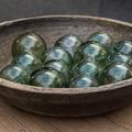 ガラス玉と木製の椀@第四回東京蚤の市;2013秋