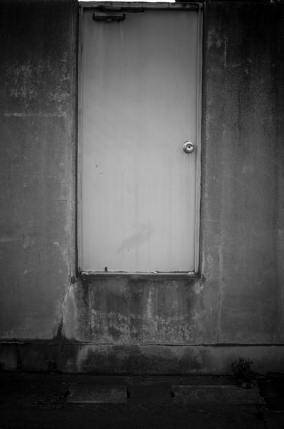 Photos: 人の出入りには脚力が必要(爆)