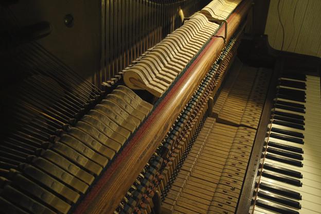 90年前のピアノの中身