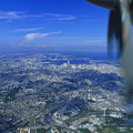 写真: ジェット機よりは低くランドマークタワーより遙かに高い視点@横浜