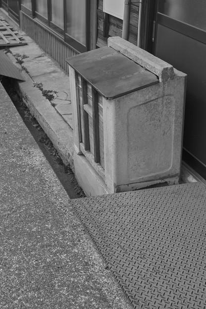 Photos: 昭和のごみ箱に久しぶりに遭遇しました