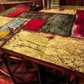 写真: 賑やかなテーブル