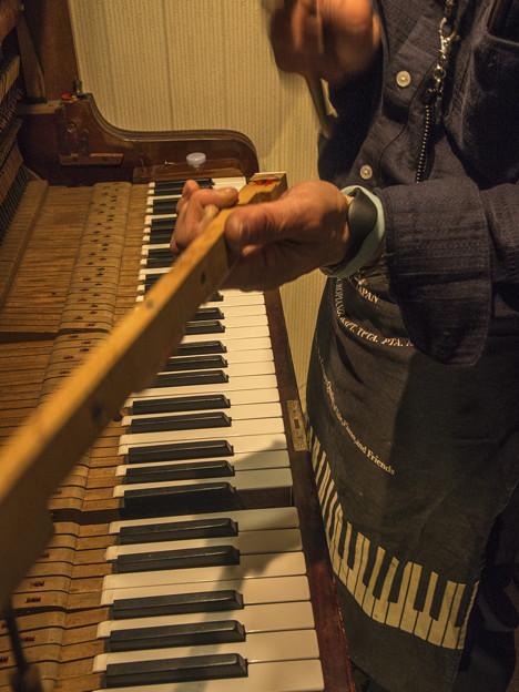 90年前のピアノを綺麗に4