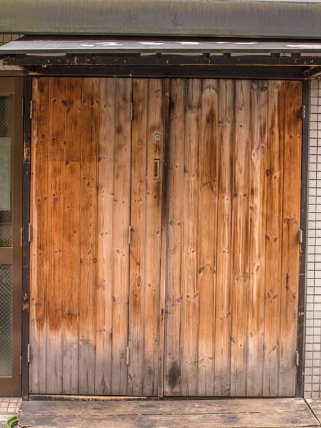一瞬引き戸に見えたが、ドアですね