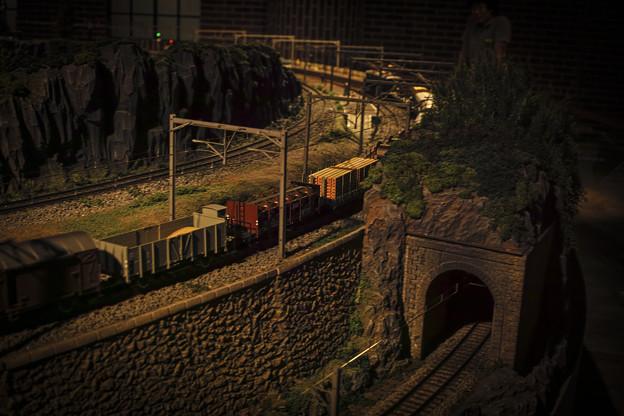 写真: 材木の貨車が、、、
