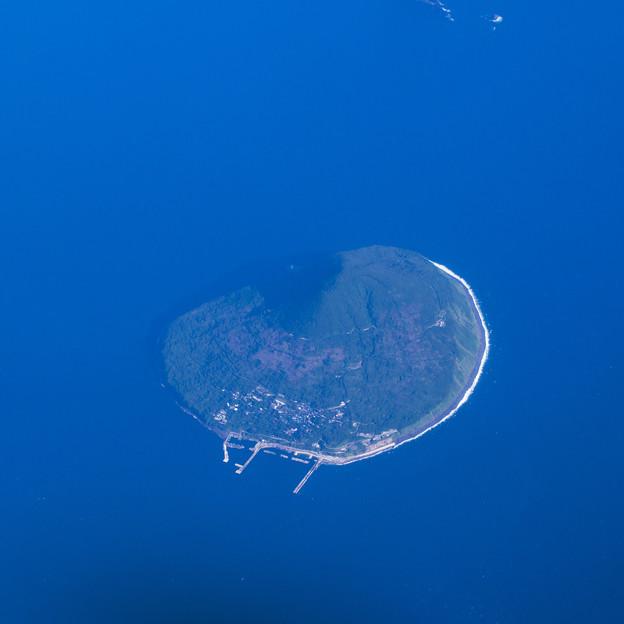 まん丸の利島