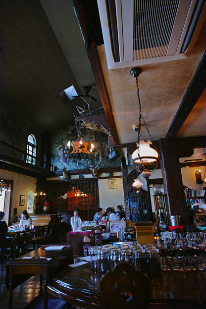 Photos: 天井が高いと落ち着く