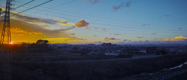 Photos: 雲を捉えようとする電線(#^.^#)