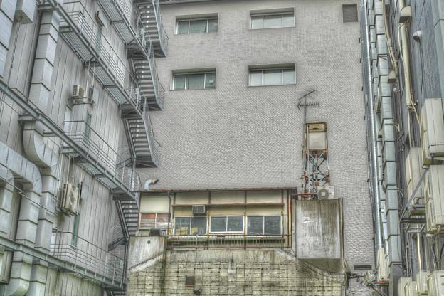 潤いの無い都会の造形